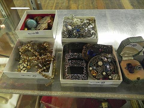 112012jewelry10005