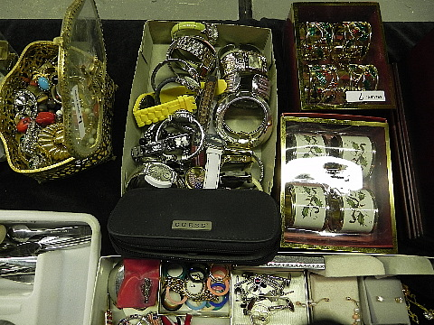 112012jewelry9947